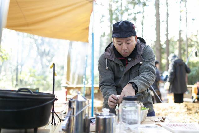 画像1: 【番組ロケ密着】ダッチオーブンで、みそ鍋!バイきんぐ西村流キャンプ飯 その① - ハピキャン(HAPPY CAMPER)