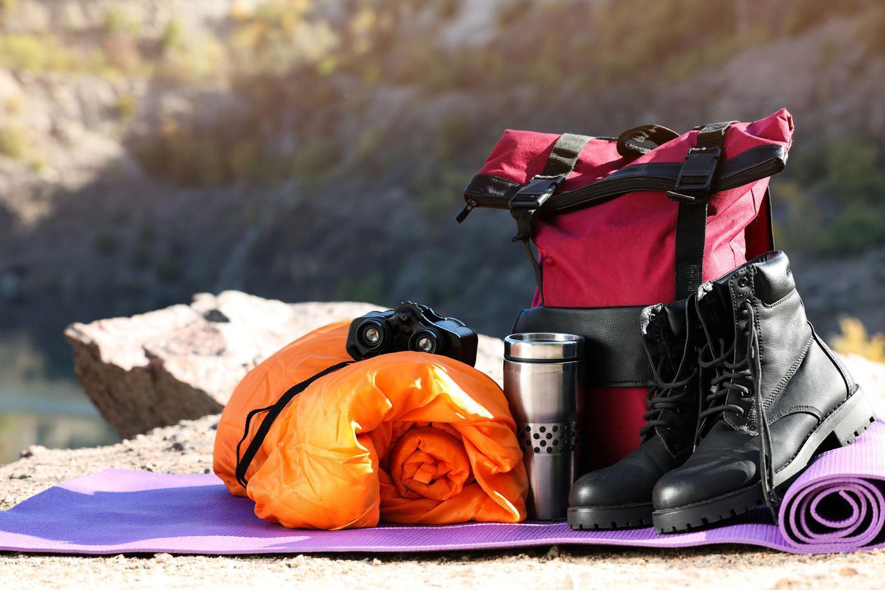画像: 夏キャンプも寝袋を持参するのがおすすめ! 夜になると急に冷えることも
