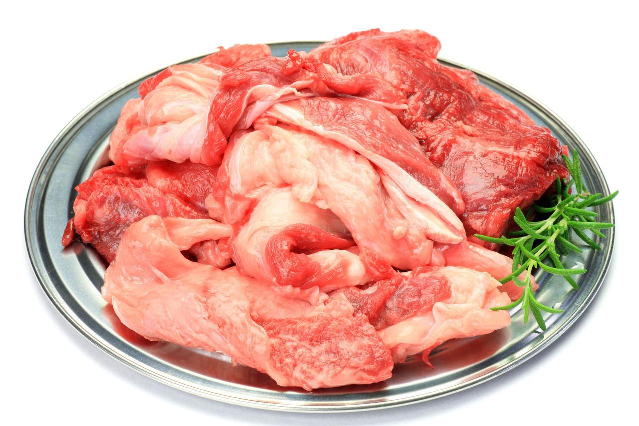 画像: 牛すじは下処理・下ごしらえをするだけで料理の美味しさアップ! 臭みや余分な油・汚れ・血合いを取り除こう