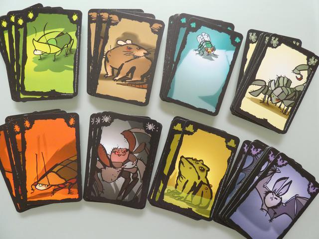 画像: ごきぶりポーカーのカード8種・64枚(筆者撮影)