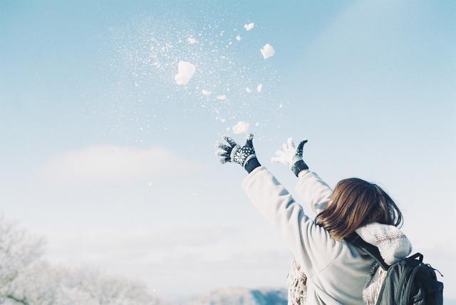 画像2: 雪合戦の遊び方&公式ルールを紹介! 冬キャンプ・アウトドアの定番アクティビティ!