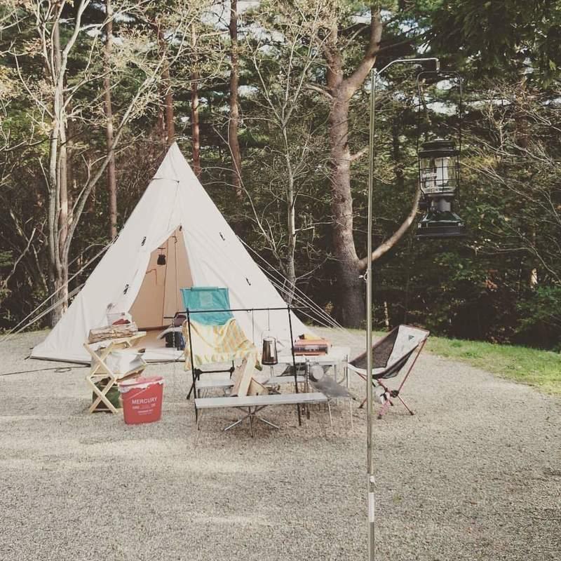 画像: 【ランタンスタンドとは?】キャンプで使うメリットや、意外な活用方法もご紹介