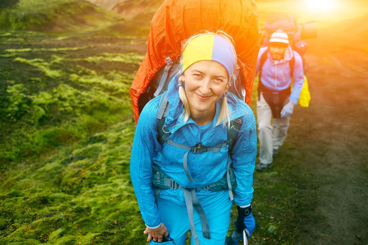 画像: 【登山用レインウェアの特徴とは】携帯性・耐久性・防水性・通気透湿性など豊富な機能で雨をしのぐ