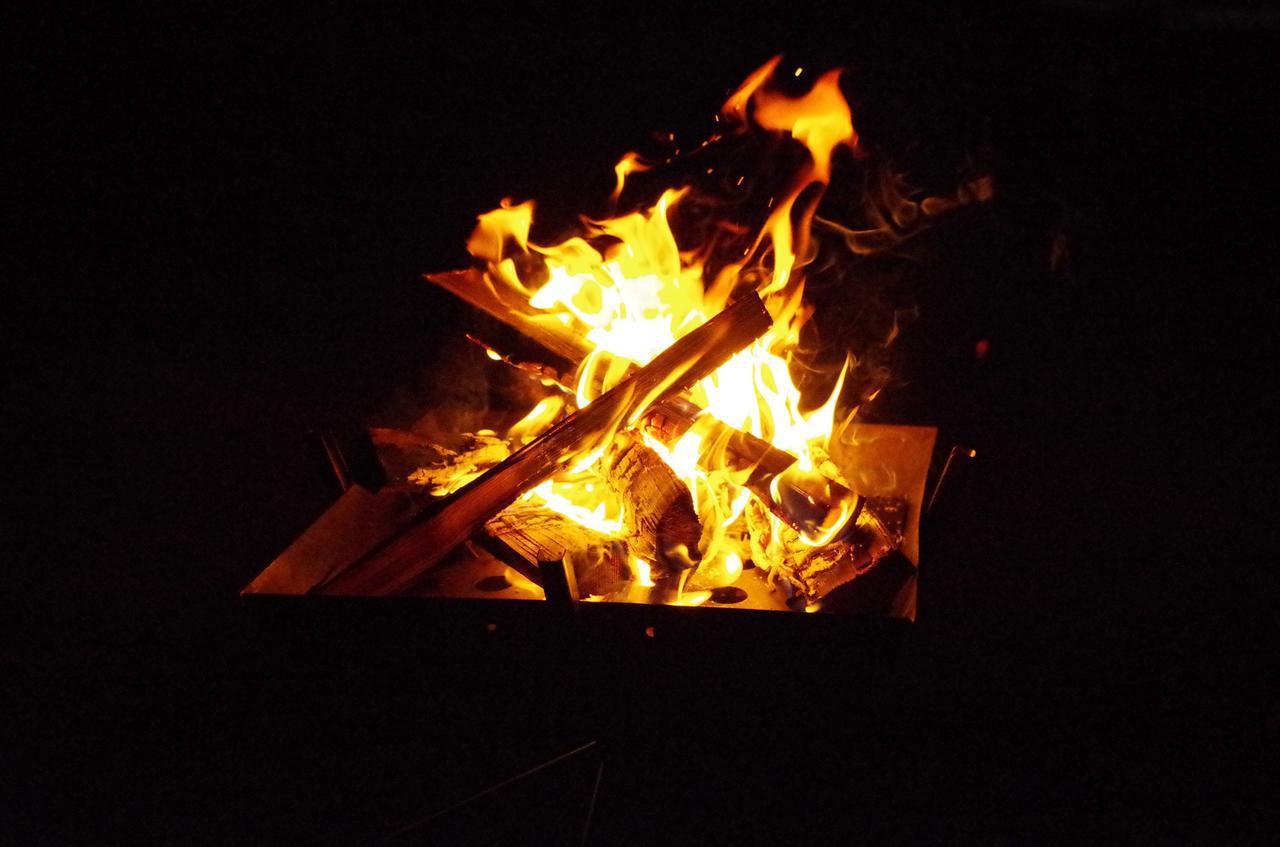 画像: 【初心者向け】ソロキャンプの必須道具4つ テント・マット・シュラフ・照明を紹介! - ハピキャン(HAPPY CAMPER)