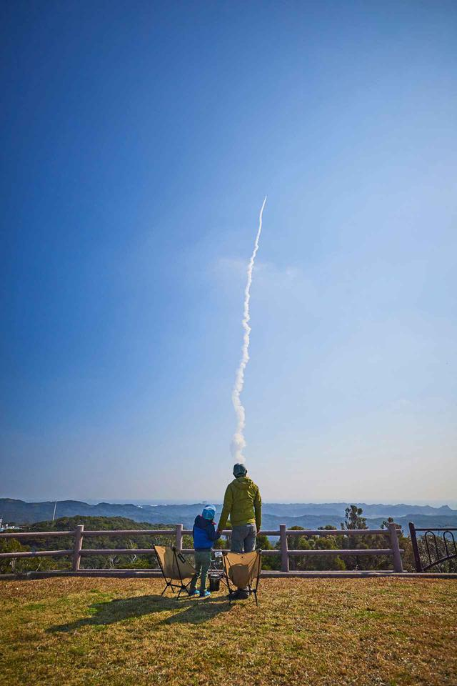 画像: photographer 猪俣慎吾 ロケットを見に行った種子島キャンプ