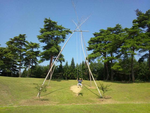 画像: 【おすすめキャンプ場56】「 石川県健康の森」キャンプ場の巨大ブランコで大はしゃぎ! - ハピキャン(HAPPY CAMPER)