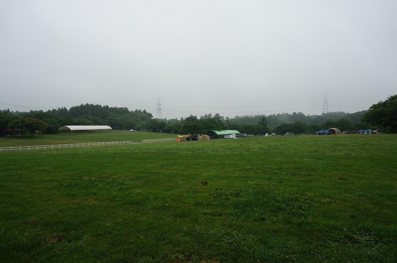 画像: 筆者撮影「予約の取りにくい人気のキャンプ場も、雨の日なら空いていることも」