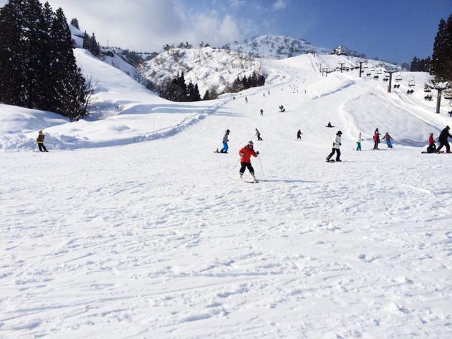 画像1: 【群馬県】嬬恋・草津など子供も楽しめるおすすめスキー場10選 スキーの必需品も紹介