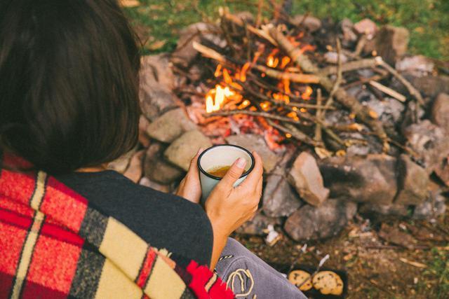 画像: ニトリや山善などおすすめ電気毛布・ひざ掛け3選 消費電力が少なく冬キャンプ向き - ハピキャン(HAPPY CAMPER)