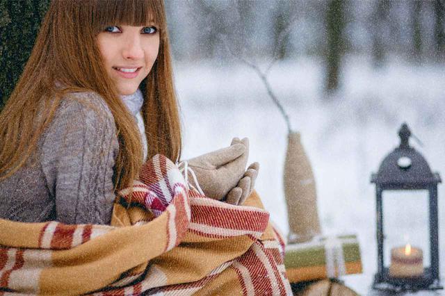 画像: 冬キャンプにおすすめの電気毛布4選 モバイルバッテリー・ポータブル電源で使える! - ハピキャン(HAPPY CAMPER)