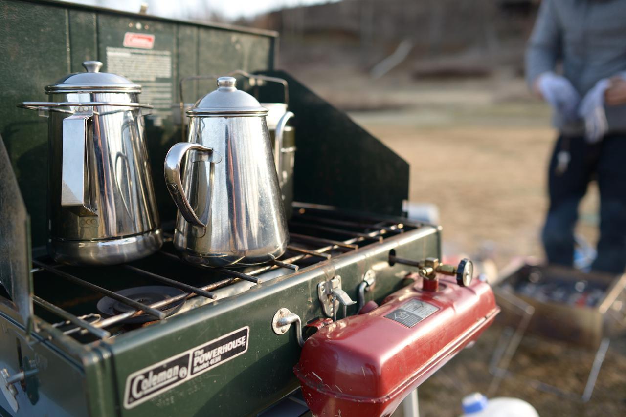 画像: 【キャンプ用ケトル②】縦長タイプのケトル:焚き火で湯沸かししたい人&大人数キャンプにおすすめ