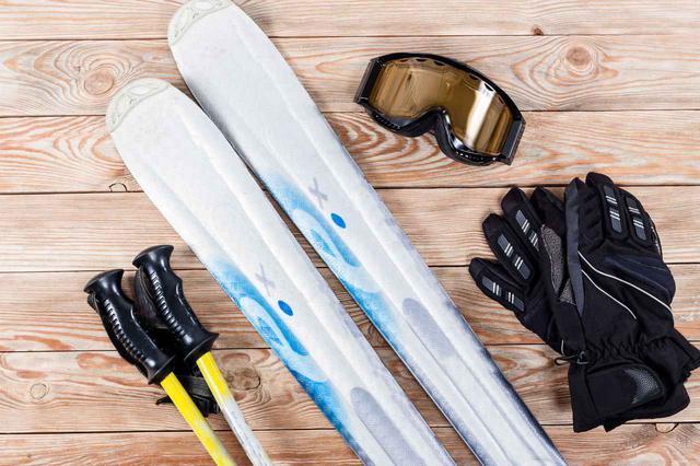 画像: 【初心者必見】スキーで忘れてはいけない持ち物リスト!おすすめMYゴーグル3選 - ハピキャン(HAPPY CAMPER)