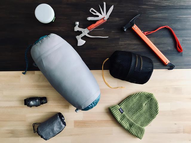 画像: キャンプでのシュラフ(寝袋)の必要性! 保温性と収納時のコンパクト性があって夏でも大活躍!