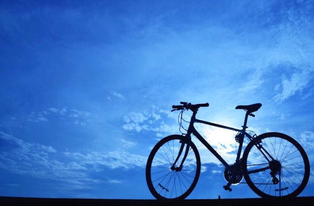 画像: クロスバイクは元来街乗りをイメージして作られているため走行性能と値段のバランスが良い!