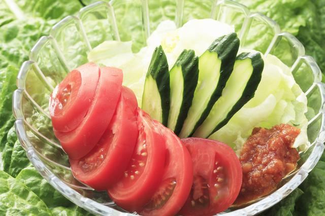 画像: カットした生野菜・果物は水分が出やすい!暑い時期には気をつけて!