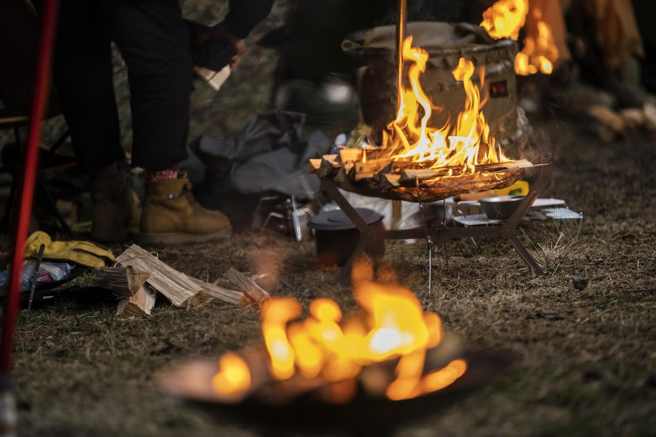 画像1: 【動画付】コンパクトでソロキャンプにおすすめな焚き火台 ハピキャンの番組にも登場 - ハピキャン(HAPPY CAMPER)