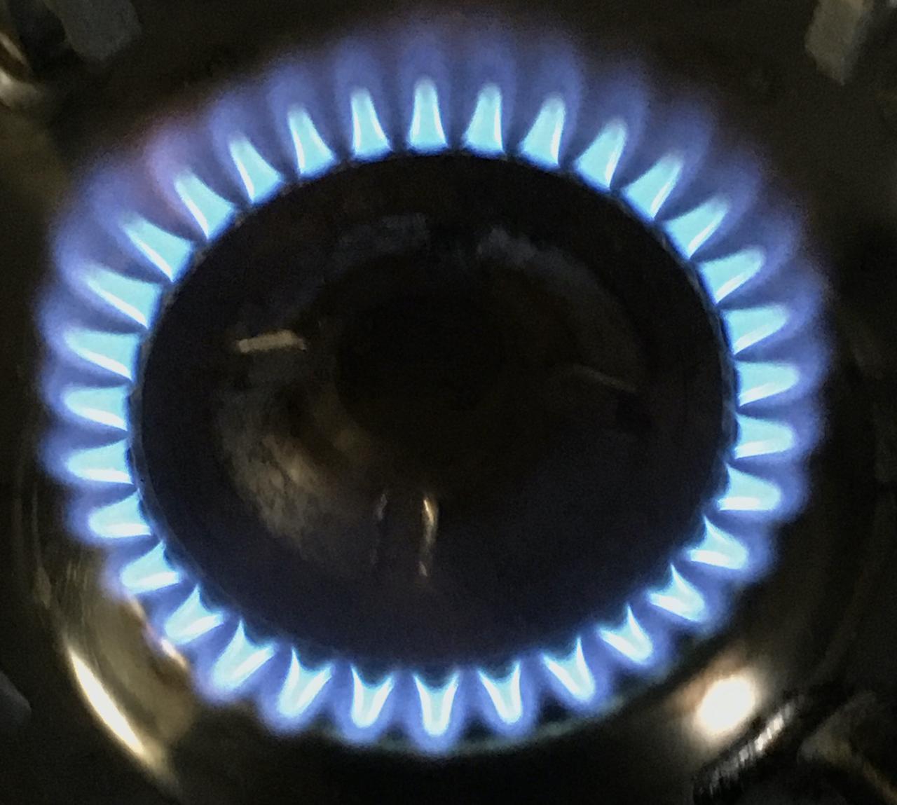 画像: 【カセットコンロの選び方②】燃焼時間・火力・ガス消費量の3点に注目! 燃焼時間の目安はおよそ60分