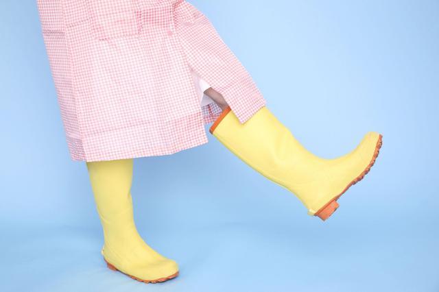 画像: 薄暗い雨の日や夜間でもしっかり目立つ反射材付き! 安全性に配慮した安心のキッズ用長靴