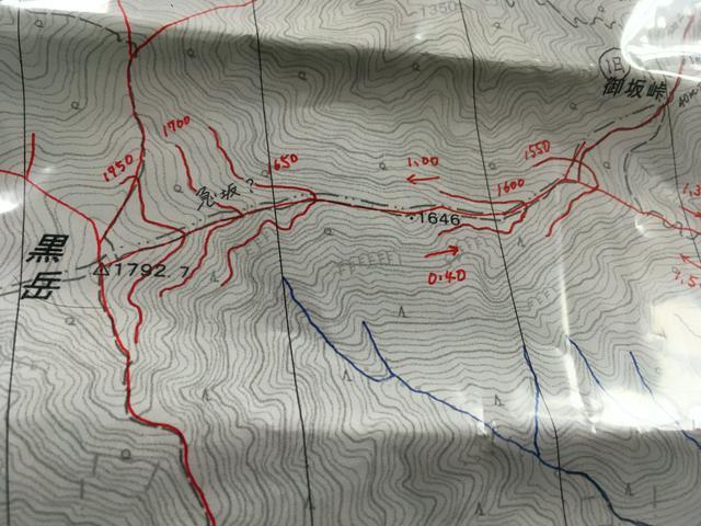 画像: (筆者撮影:コースタイムを記入したり、尾根、谷に線を引いたりして地形を把握)
