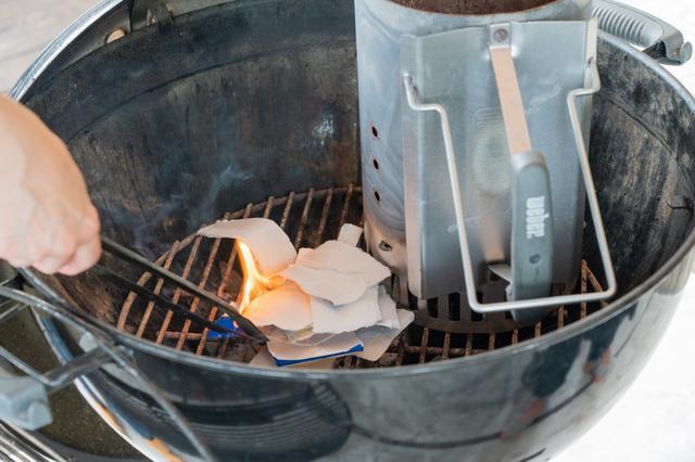 画像: 筆者撮影 豆知識:牛乳パックはよく燃えて着火剤の代わりにもなるので便利!