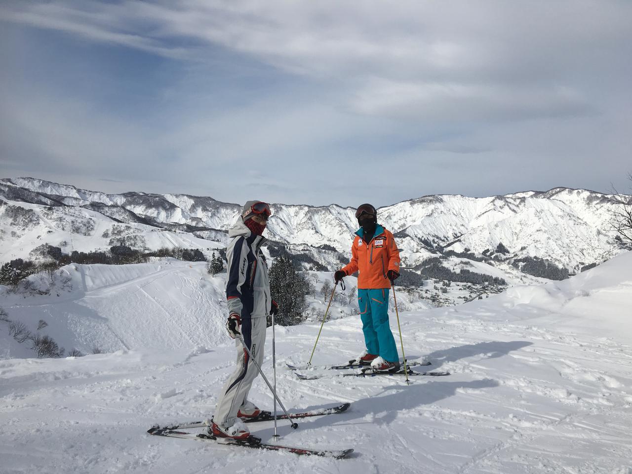 画像: 【初心者必見】スキー好きのライター直伝! 基本の滑り方&止まり方をマスターしよう - ハピキャン(HAPPY CAMPER)