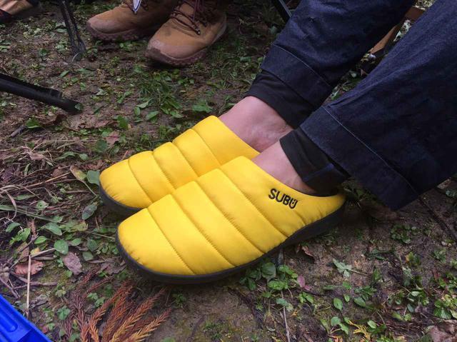 画像: 【秋冬キャンプ靴】ワークマンやSUBUの防水シューズやスリッポンなど人気4選 - ハピキャン(HAPPY CAMPER)