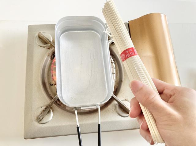 画像: 【素麺料理の基本】メスティンを使った上手な茹で方 そうめんをキャンプで美味しく茹でるコツも解説