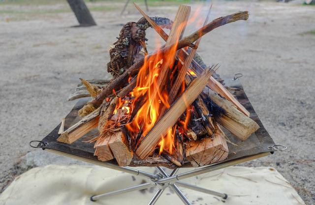 画像: 焚き火シートは後片付けが格段に楽&火事を防ぐ! キャンプをする人は購入検討すべきおすすめ商品