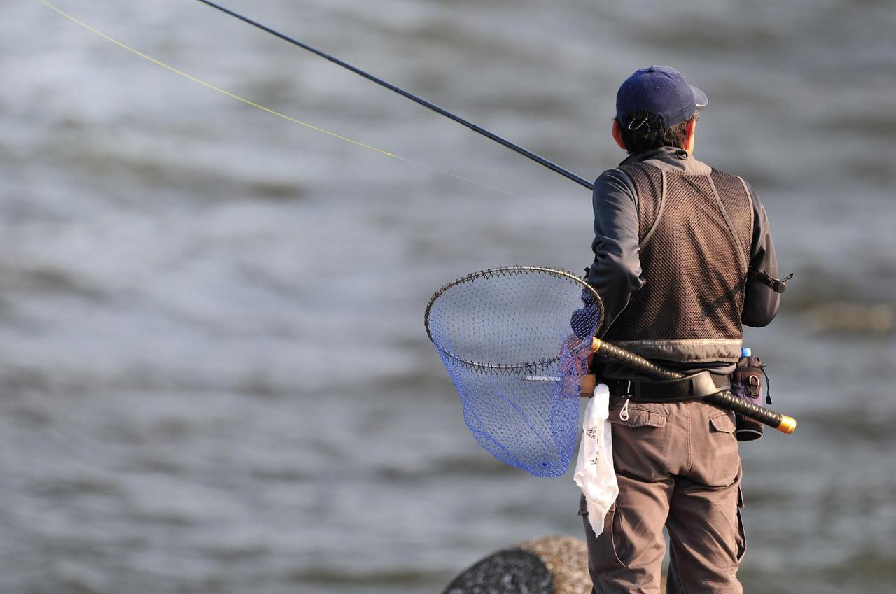 画像: 釣り用スパイクシューズの種類は2つ! 『ラジアルスパイクシューズ』と『フェルトスパイクシューズ』