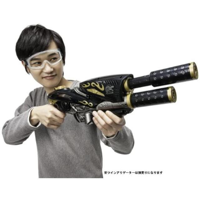 画像2: 大人も楽しい!強力な水鉄砲(ウォーターガン)7選 大人気ゲーム・スプラトゥーンの水鉄砲も!