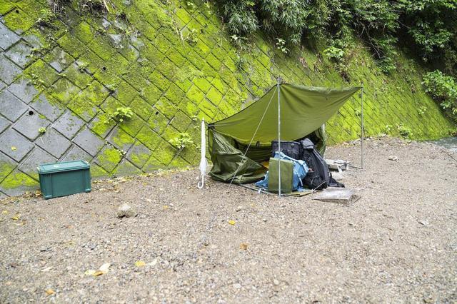 画像: (photo by 吉田 達史)矢作さんから「55歳のおじさん」と言われたかほなんさんのテントがこちら。