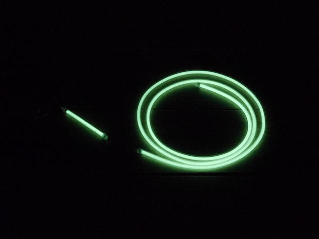 画像: 筆者撮影 左:Glow HOTARU 60 右:Glow HOTARU Flex