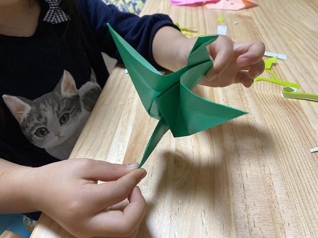 画像: 【親子で折り紙】ファミキャンでも遊べる!簡単なものから「動く鶴・蓮の花」の折り方まで - ハピキャン(HAPPY CAMPER)