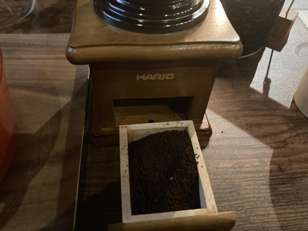 画像: 豆を引いた後の粉 (筆者撮影)