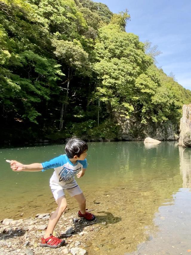 画像1: 【キッズ用シューズ】川での水遊びに必須! おすすめのキッズウォーターシューズ7選