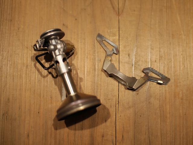 画像: 【SOTO・ウインドマスターの魅力①】非常に軽い! 手のひらサイズのコンパクトなシングルバーナー
