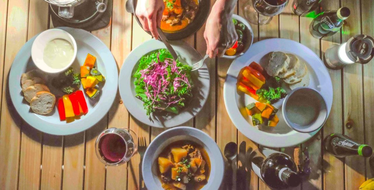 画像: platchampのホーロー食器は、和洋中どんな料理でもOK。 platchamp.com
