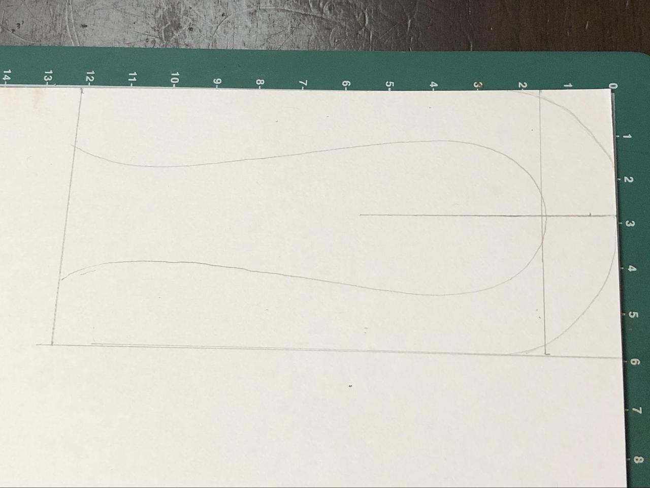 画像: 型紙作り (筆者撮影)