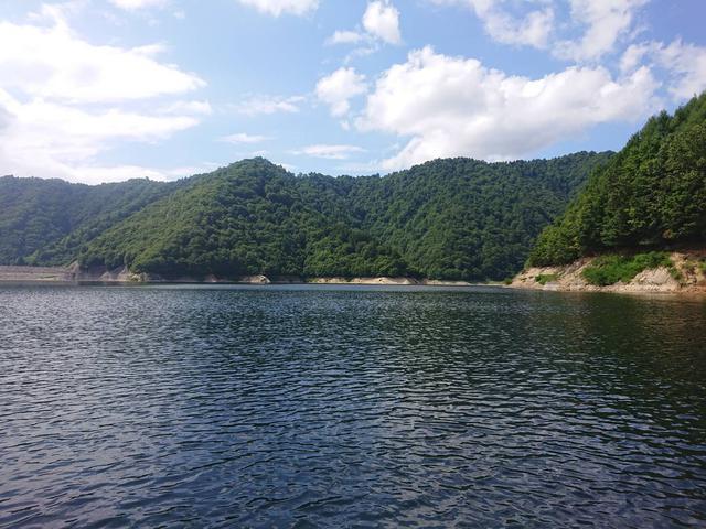 画像: 筆者撮影:湖面からの風景