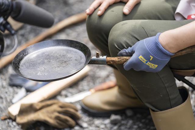 画像: ソロキャンプやブッシュクラフトの入門にもおすすめ!「焚き火フライパン」の3つの魅力 - ハピキャン(HAPPY CAMPER)