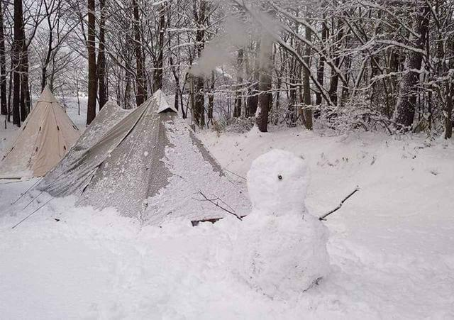 画像: 【雪中キャンプ】おすすめのテント・ストーブ・寝袋を紹介 防寒対策はしっかりしよう - ハピキャン(HAPPY CAMPER)