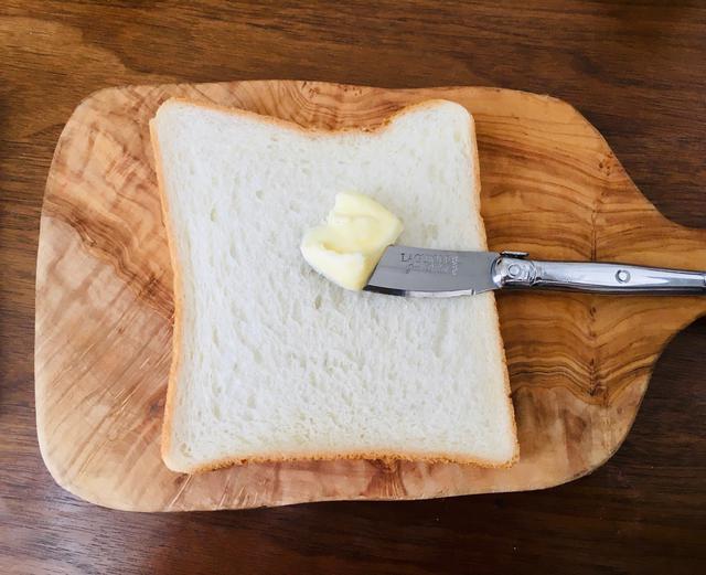 画像: 筆者撮影 2枚ともバター塗ってください