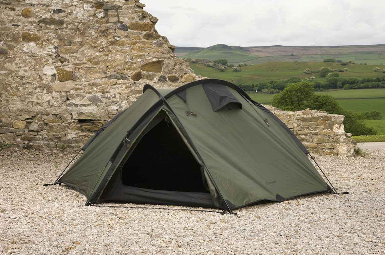 画像1: ワイルドなキャンプシーンにピッタリの最大3名用ドーム型テント『バンカー』by Snugpak(スナグパック)