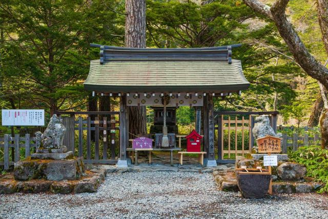 画像: 穂髙神社奥宮 | 上高地公式ウェブサイト