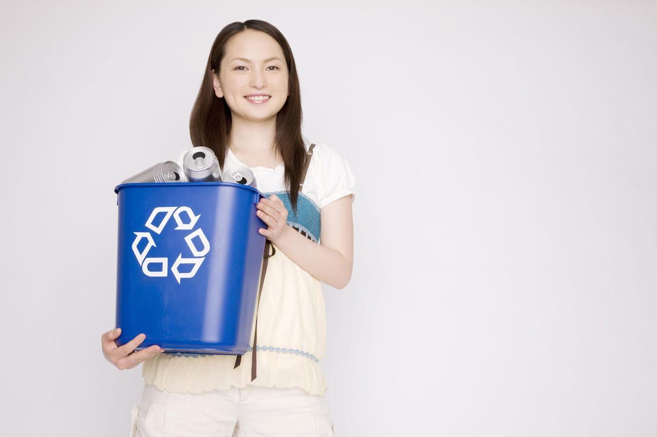 画像: 保冷剤の捨て方は? ほとんどの自治体は燃やせるゴミでOK! ただし自治体によって変わる事も