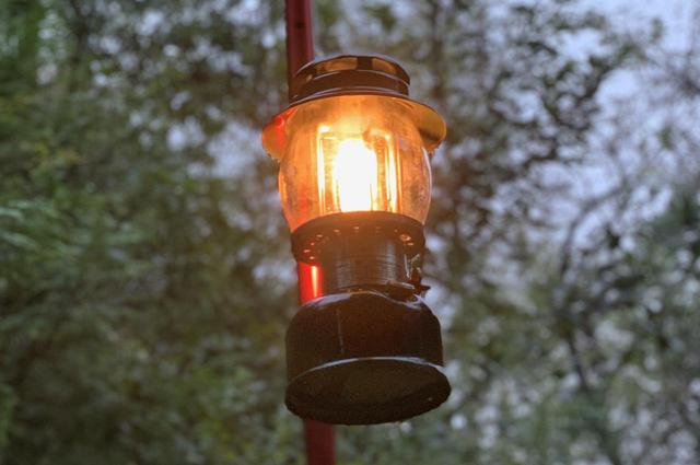 画像: 【徹底解説】コールマン製ケロシンランタン 灯油だから燃料費が安く明るさもバッチリ - ハピキャン(HAPPY CAMPER)