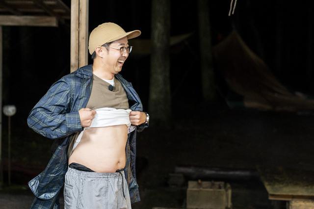画像: Photographer 吉田 達史 確かに少し運動不足のお腹まわりかも(笑)
