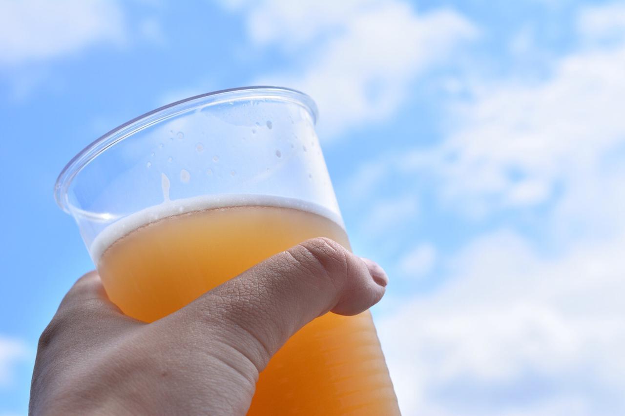 画像: グラウラーボトルとは? 炭酸力をキープ&冷たいビールがのめる&歩き持ちに便利な水筒を持つべし!