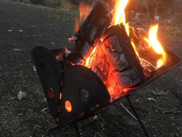 画像: 【筆者愛用】ソロキャンプ向きの焚き火台UCO「ミニフラットパック」レビュー - ハピキャン(HAPPY CAMPER)