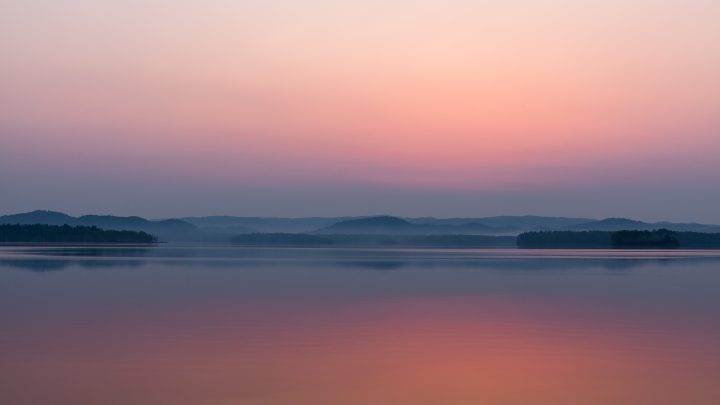 画像: 北海道 朱鞠内湖 公式ウェブサイト|Lake Shumarinai